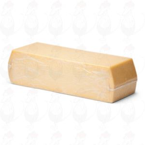 Gouda Semi-Matured Hotel Block | Premium Quality | 3,8 Kilo / 8.4 lbs