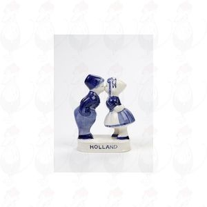 Delft Blue Farmer and peasant girl - Kissing Couple