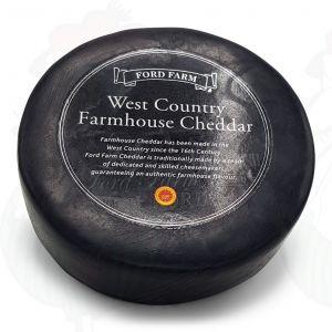 Cheddar Farmhouse Black | Entire cheese 900 grams / 2 lbs
