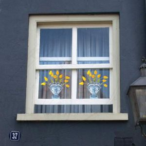 Delft Blue Tulip Yellow Window Decal - Flat Flower - 30 x 30 cm