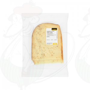 Sliced Farmers cheese Matured 30+ with cumin | 200 grams in slices